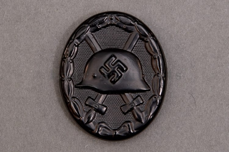Black Wound Badge Carl Wild