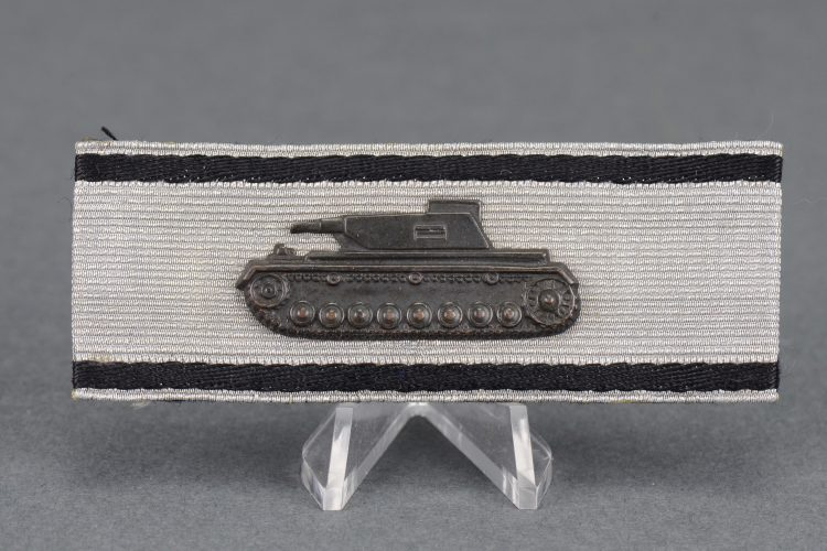 Tank Destruction Badge in Silver