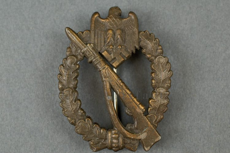 Infantry Assault Badge in Bronze - JFS