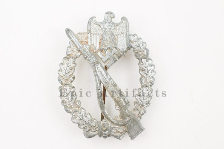 Infantry Assault Badge in Silver by S&L