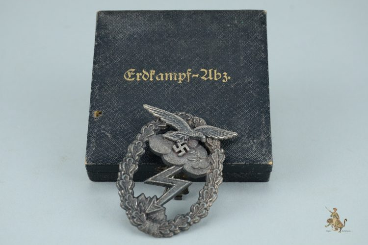 Cased Luftwaffe Ground Assault Badge