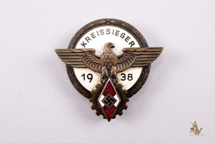 1938 HJ Kreissieger Badge