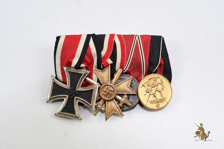 Four Place Medal Bar