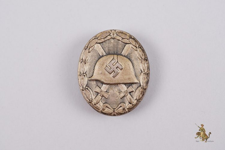 Silver Wound Badge 92